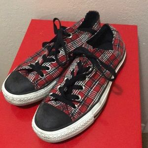 Converse All Star Red Plaid Low Top Sneakers 6 8